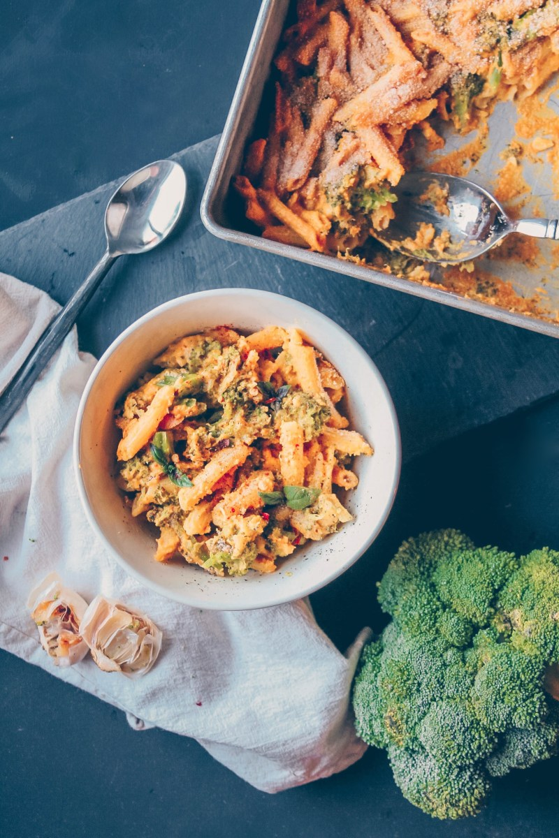 Vegan Mac n' Cheese Broccoli Bake